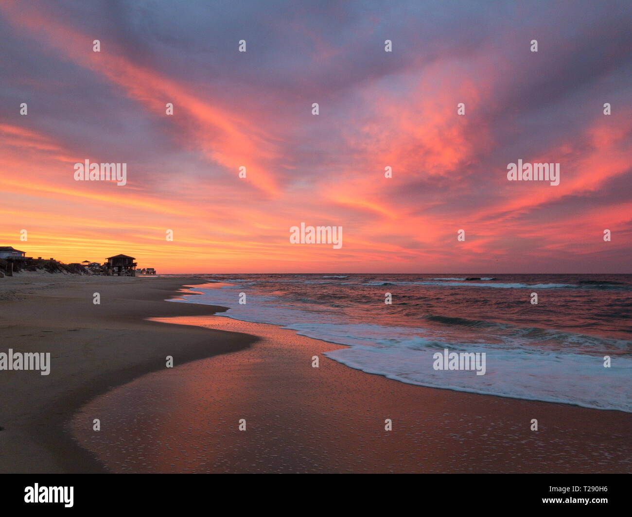 Amazing Orange Pink Red And Purple Sunset Along The Beach In The Outer Banks Of North Carolina Stock Photo Alamy