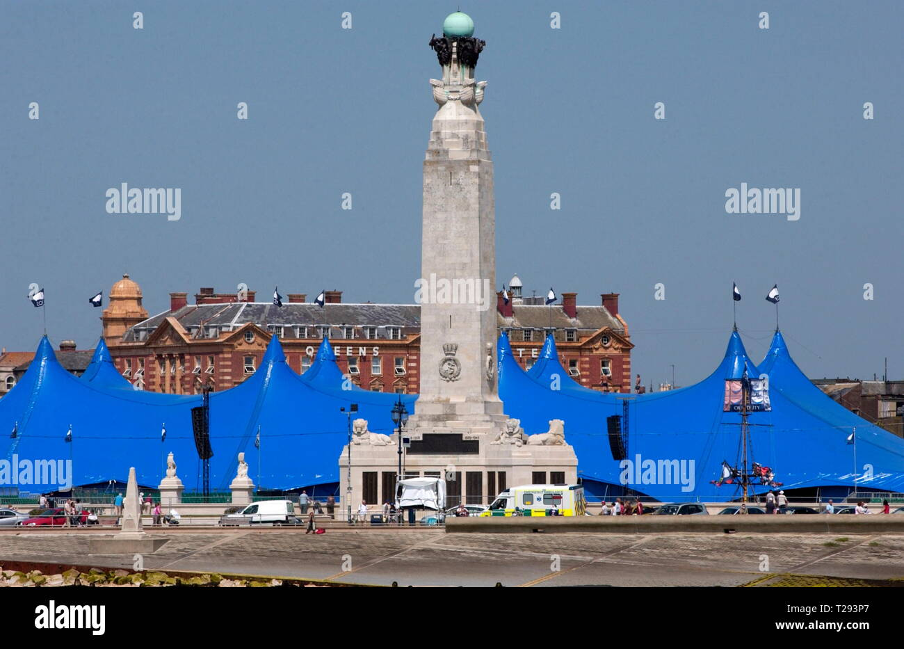 AJAXNETPHOTO. 2005. PORTSMOUTH, ENGLAND. - NAVAL WAR MEMORIAL - OBELISK ON SOUTHSEA COMMON AT CLARENCE ESPLANADE OVERLOOKS THE SOLENT; NAVIGATION MARK FOR SHIPPING.  PHOTO:JONATHAN EASTLAND/AJAX REF:D152706 0199 Stock Photo