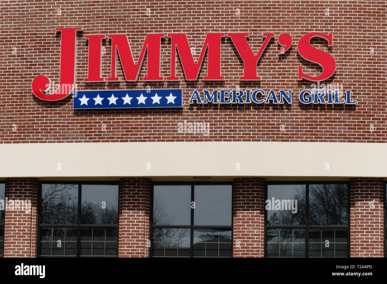 Bordentown, NJ - March 11, 2019: Jimmy's American Grill is a large restaurant boasting 35 TV screens as well as indoor and outdoor seating. - Stock Image