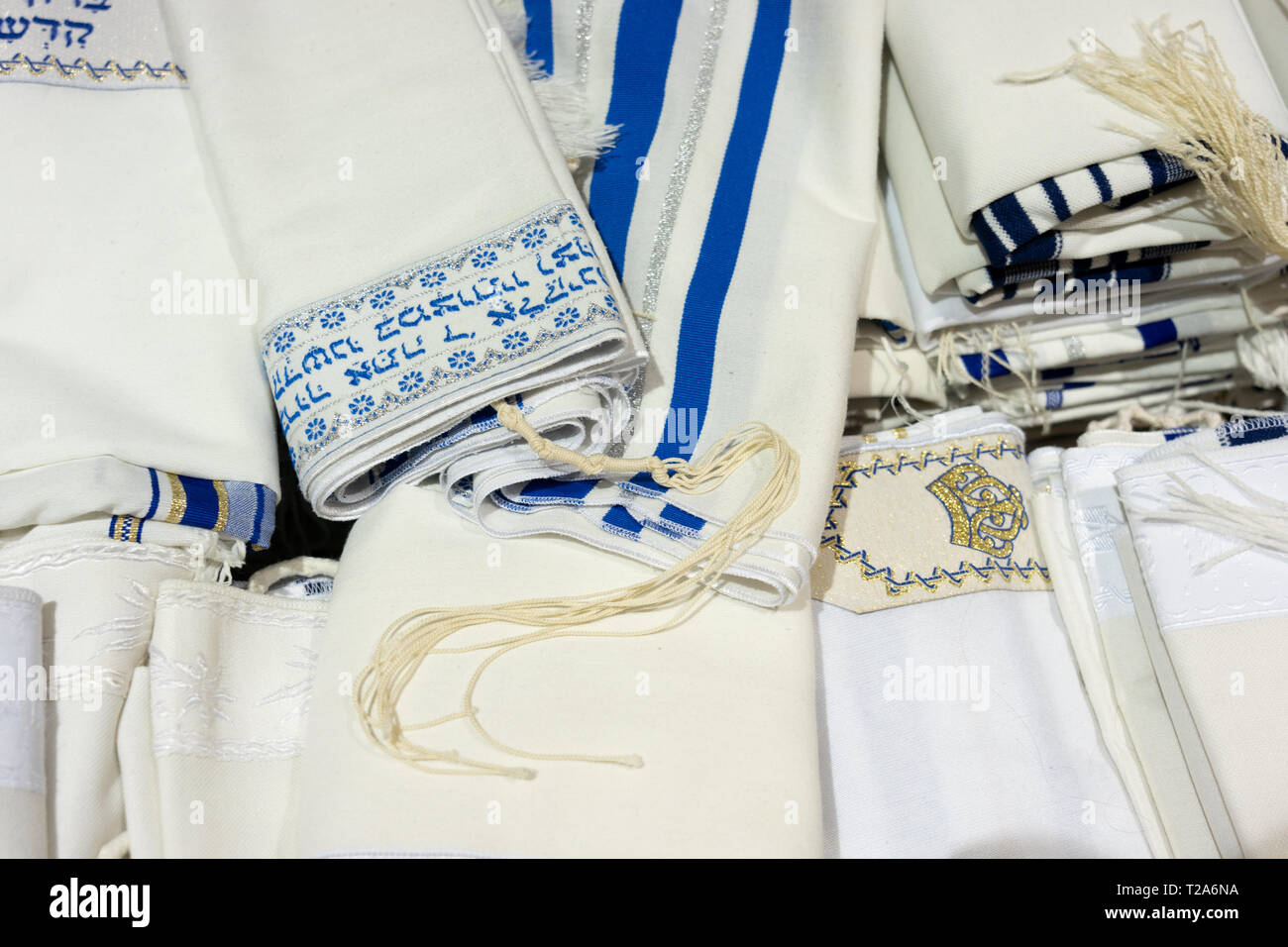 talit,  tallit covering used in Jewish traditions - Stock Image