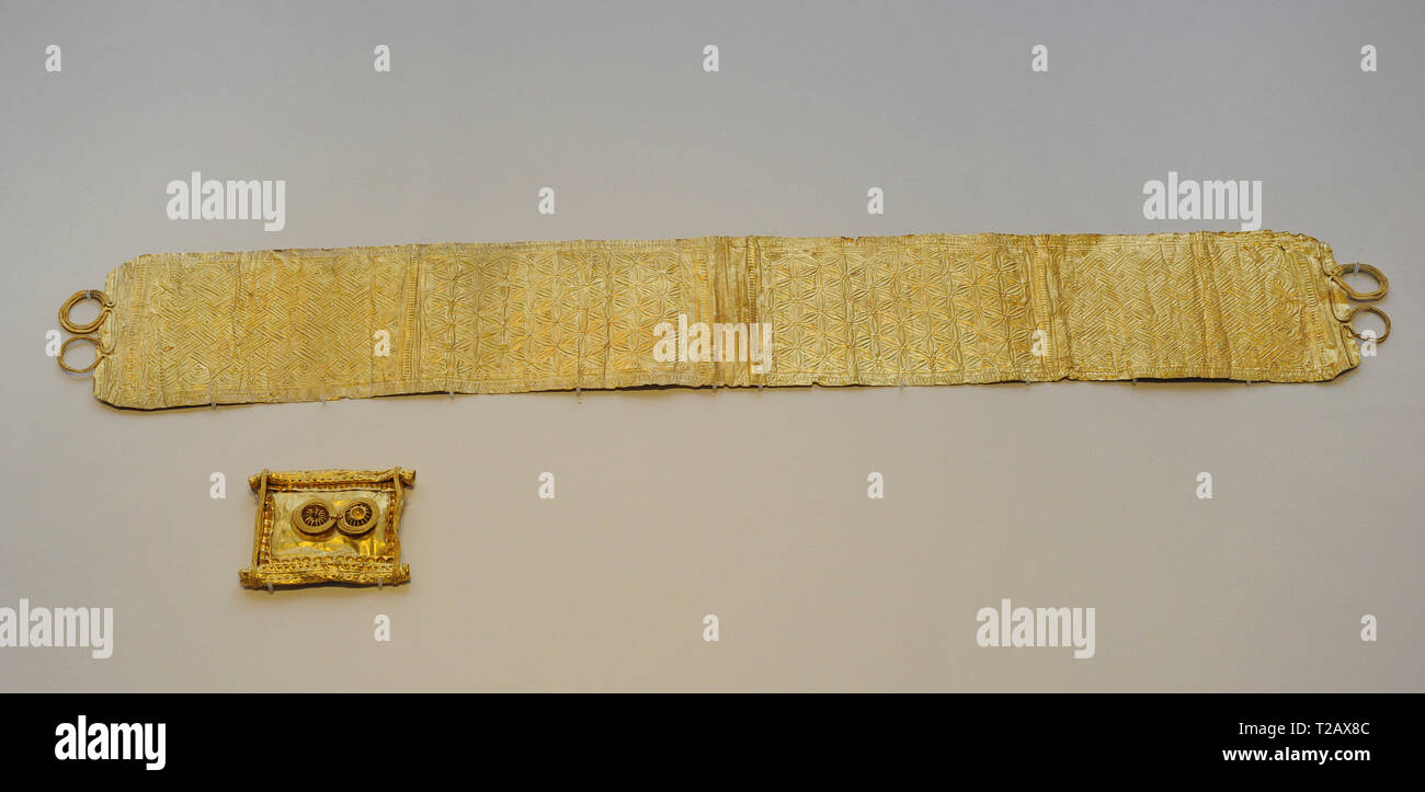 Vegadeo Group. Diadem and brooch. 3rd-1st centuries BC. Gold. Castro culture. From Vegadeo (Asturias, Spain). National Archaeological Museum. Madrid. Spain. - Stock Image