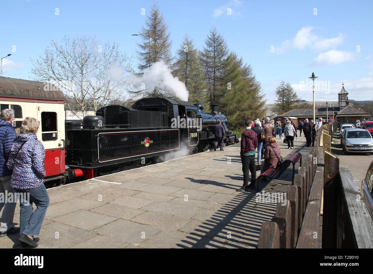 The 78018 steam train dropping off passengers at the East Lancashire Railway, Rawtenstall 31st March 2019 Stock Photo