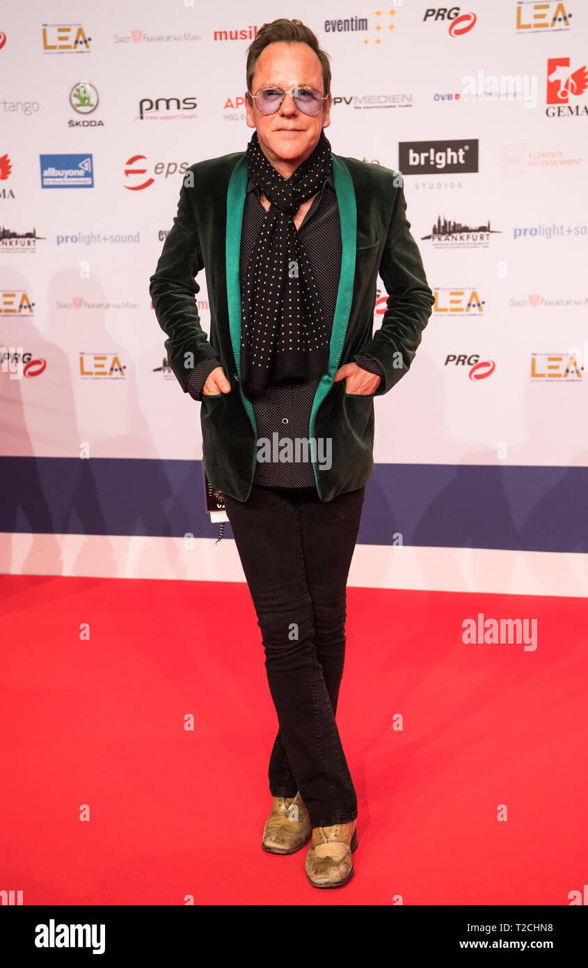 01 April 2019, Hessen, Frankfurt/Main: Pine Sutherland, actor, standing on the red carpet. The Live Entertainment Award (LEA) is presented to concert and show organisers, managers, agents and venue operators from German-speaking countries. Photo: Andreas Arnold/dpa - Stock Image