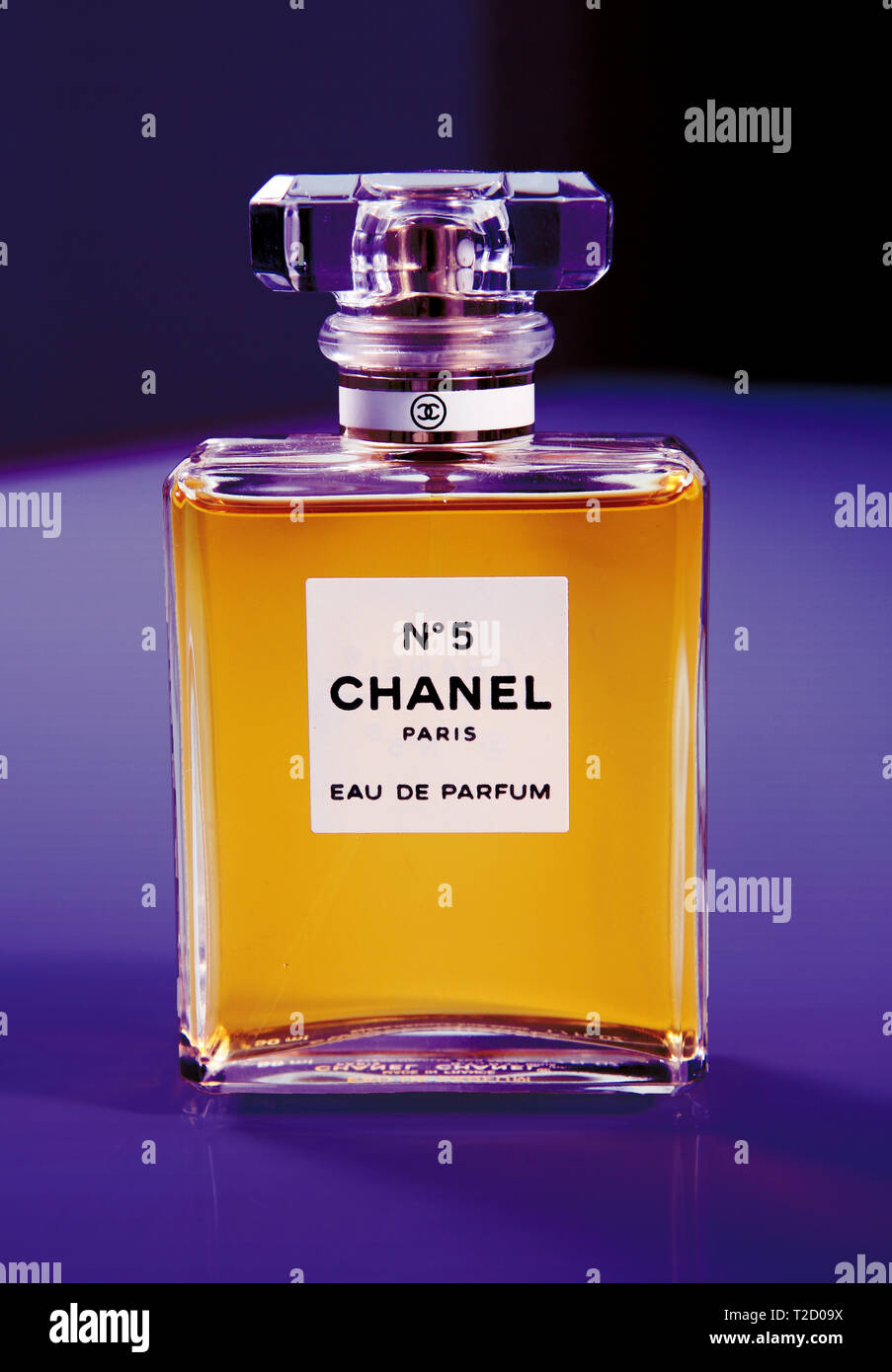 Chanel Perfumes Stock Photos Chanel Perfumes Stock Images Alamy