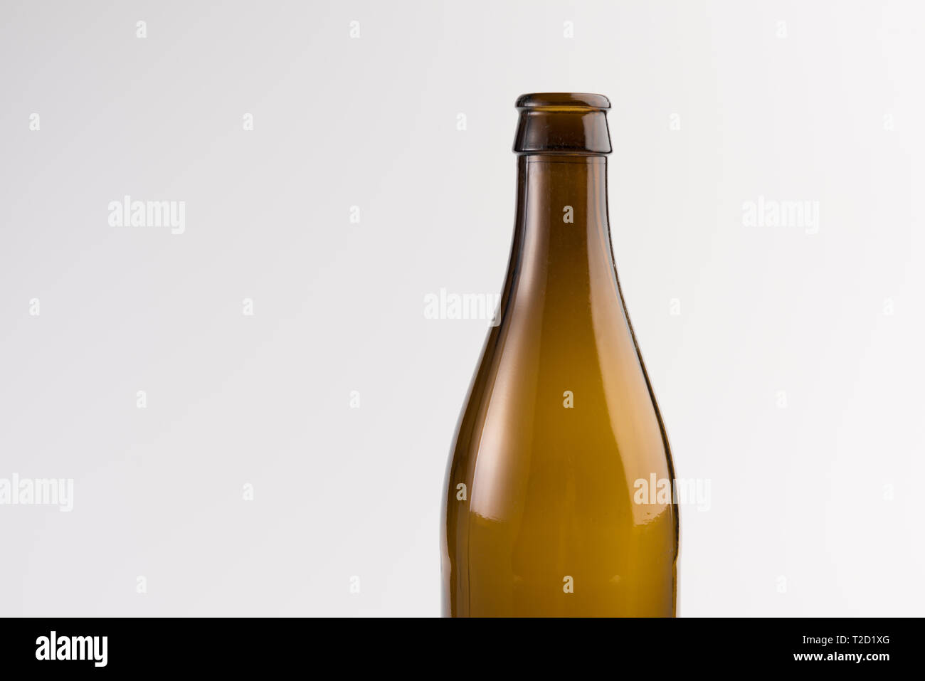 Page 2 Empty Beer Bottle High Resolution Stock Photography And Images Alamy