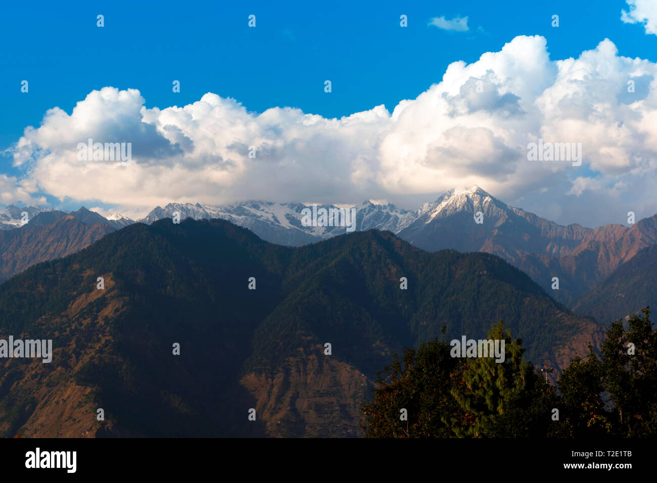 Himalayan mountains in Himachal Pradesh, India - Stock Image