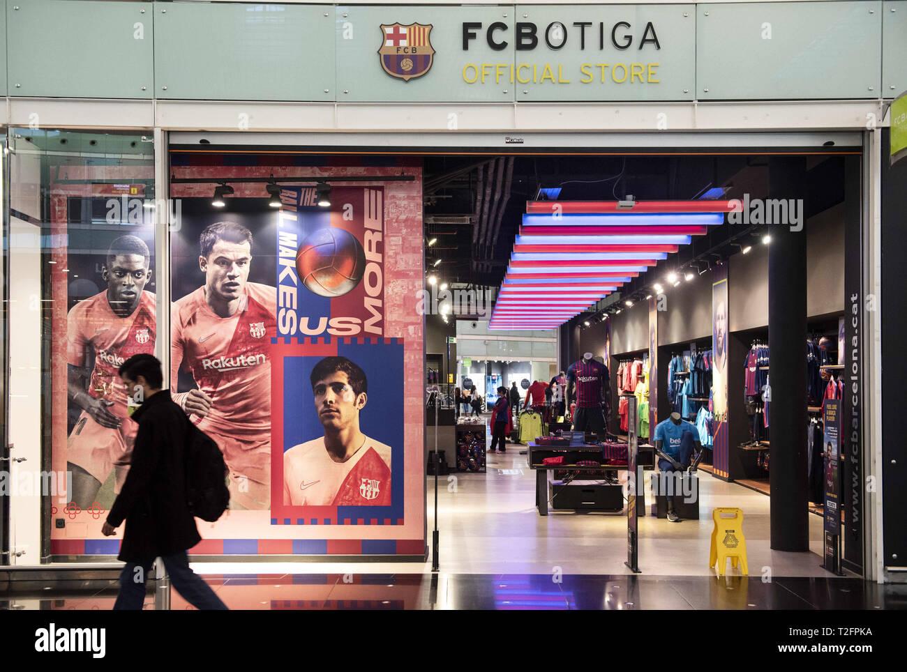 Barcelona, Spain. 7th Mar, 2019. A man seen passing near a Futbol Club Barcelona brand store at Barcelona's El Prat Josep Tarradellas airport. Credit: Budrul Chukrut/SOPA Images/ZUMA Wire/Alamy Live News - Stock Image