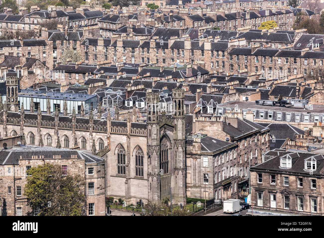 View of Edinburg city with old houses in Scotland - Stock Image