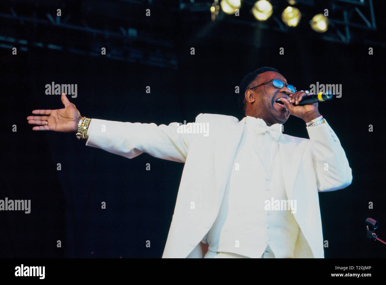"""The Reverend Al Green or  """"Al"""" Greene performing on the Pyramid stage at the Glastonbury Festival 1999, Somerset, England,UK Stock Photo"""