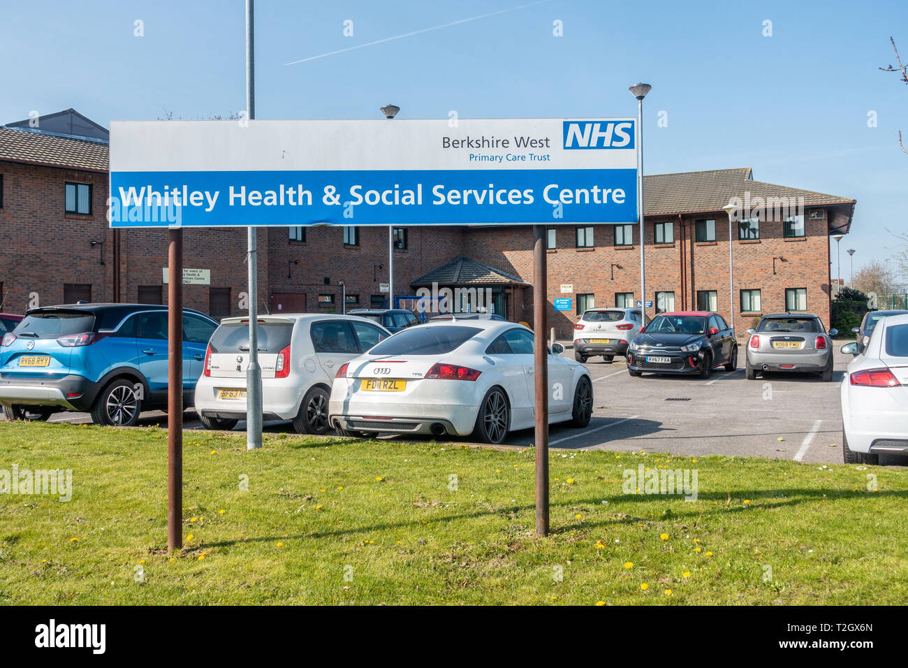 Whitely Health & Social Services Centre on Northumberland Avenue in Whitely, Reading is run by the NHS Berkshire West Primary Care Trust - Stock Image