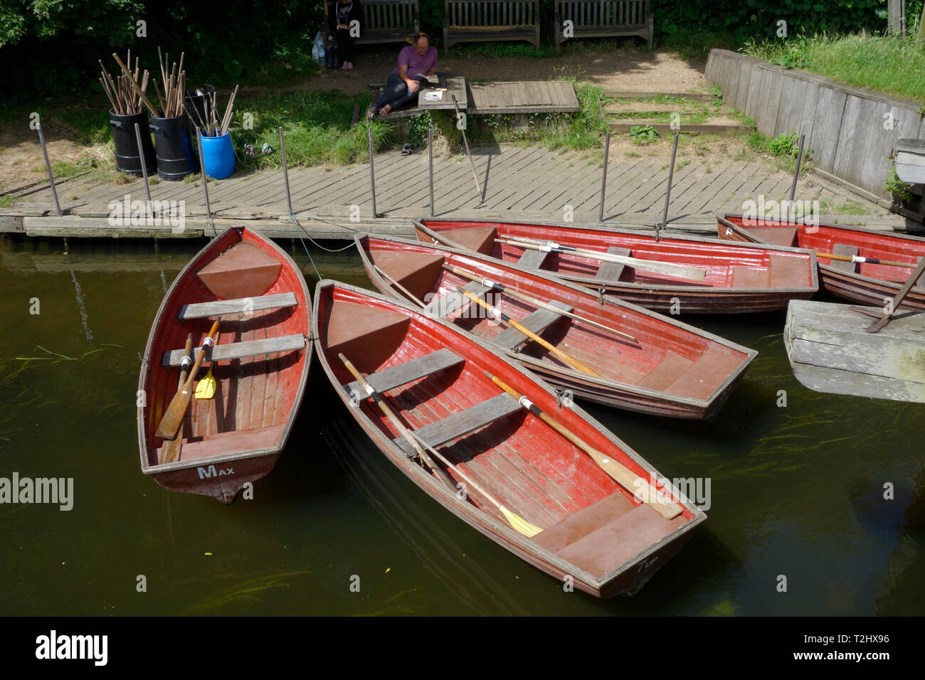 Rowing boats for hire by Flatford Bridge Cottage Stock Photo