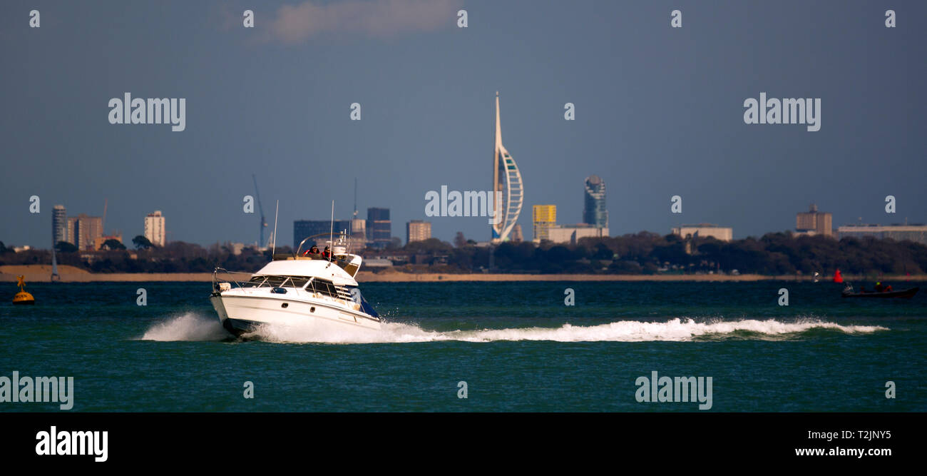 luxury,power,boat,gin palace,RYA,boat,handling,offshore,course,school,sailing,The Solent,Cowes,Isle of Wight,Portsmouth, - Stock Image
