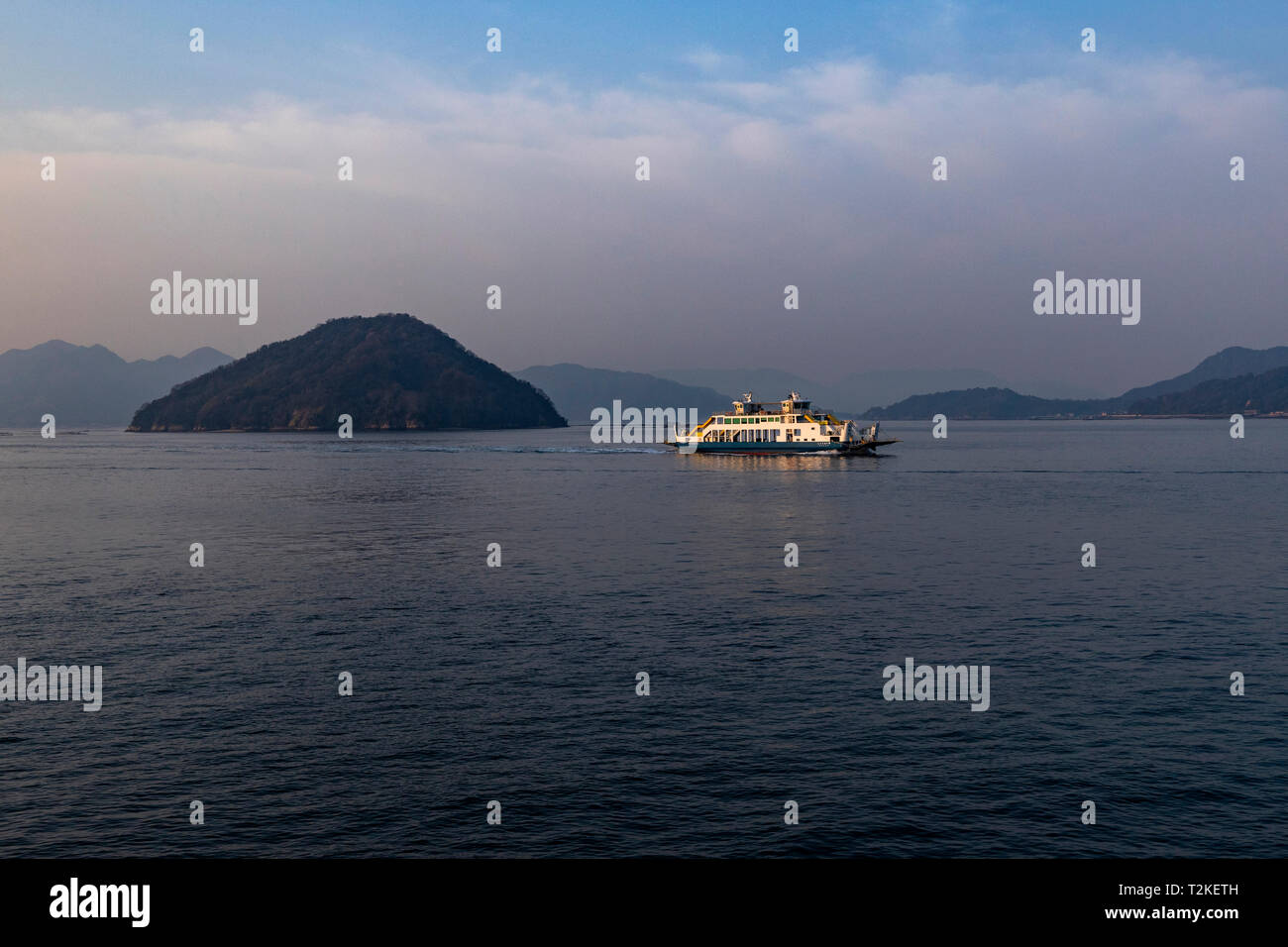 The ISeto Naikai nland Sea separates Honshu, Shikoku and Kyushu - the three  main islands of Japan.  3000 islands are located in the Inland Sea, inclu - Stock Image