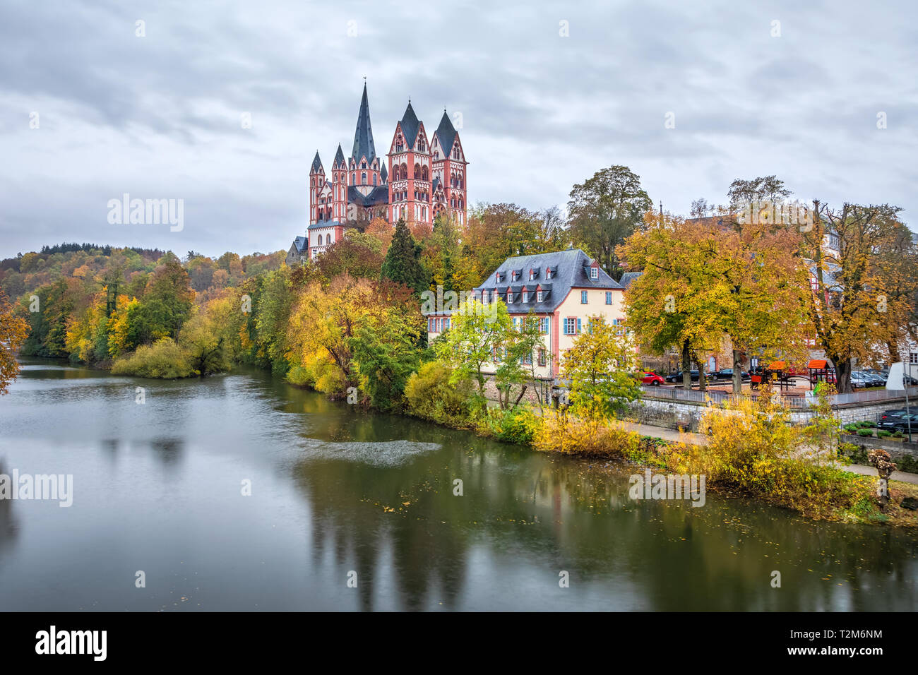 Autumn cityscape of Limburg an der Lahn with river and Limburg Cathedral, Hesse, Germany - Stock Image