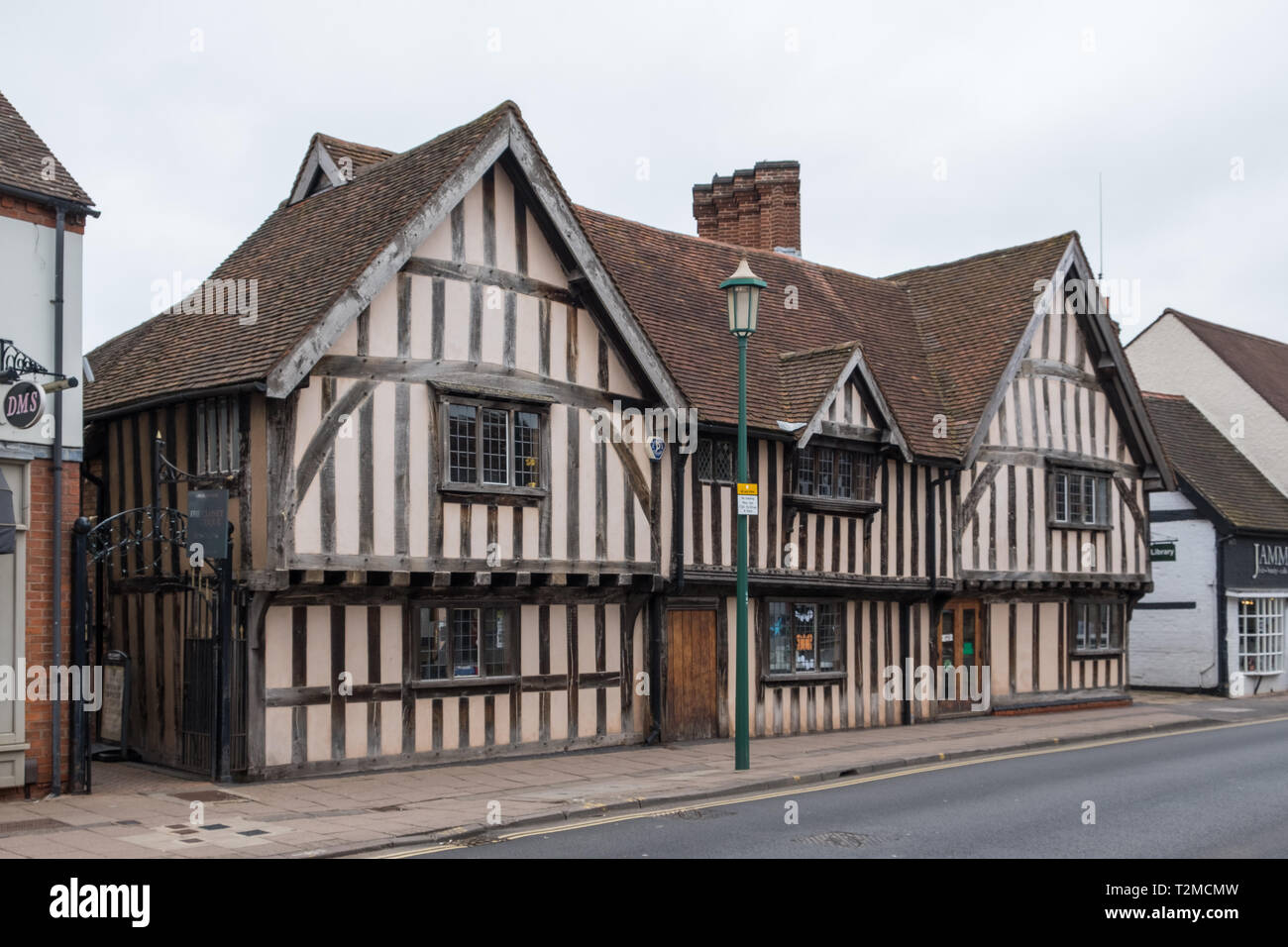 Chester House is a Tudor building which houses Knowle Public Library in the village of Knowle near Solihull, West Midlands - Stock Image