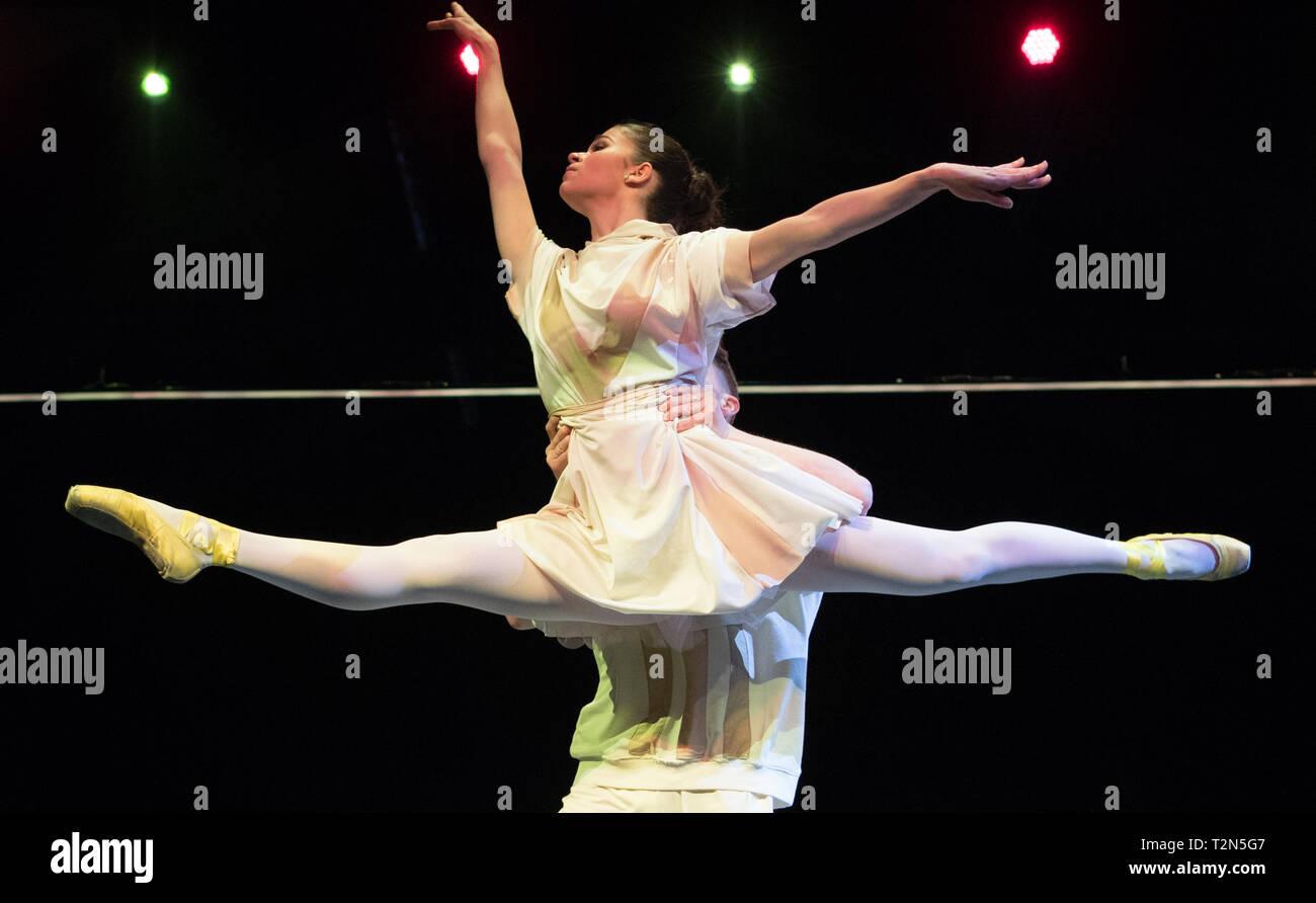 Urban Dance Stock Photos & Urban Dance Stock Images - Alamy