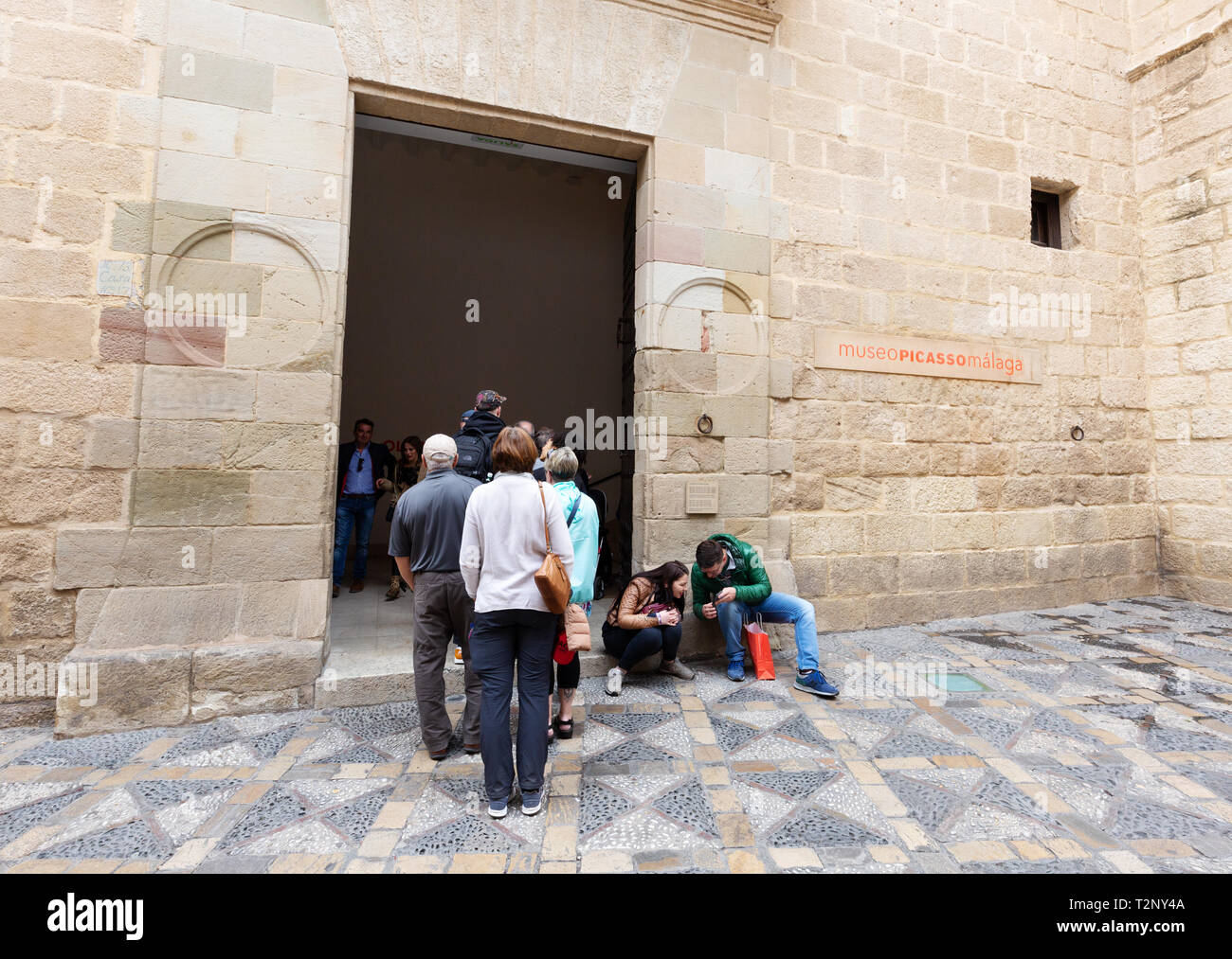 Museo Picasso Malaga.Museo Picasso Malaga People Queuing Outside To See The Paintings