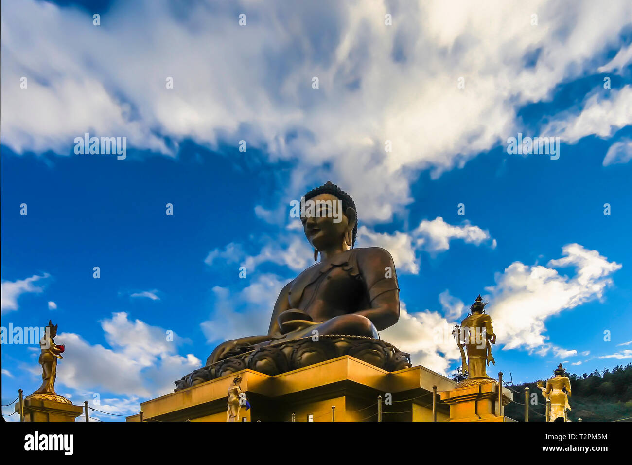 Bottom up view of the gilded gold Buddha Dordenma in East Thimphu, Bhutan - Stock Image