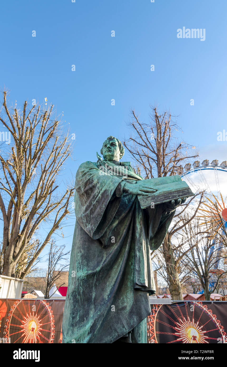 Neptunbrunnen statue during Berliner Weihnachtszeit, german Christmas market, Berlin, Germany] - Stock Image