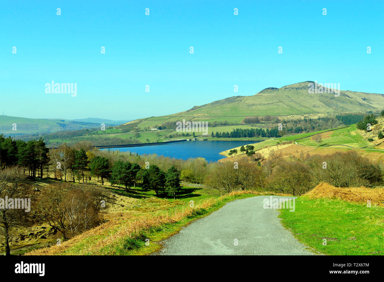 Dovestone Reservoir lies where the valleys of the Greenfield and Chew Brooks converge together above the village of Greenfield, on Saddleworth Moor in - Stock Image