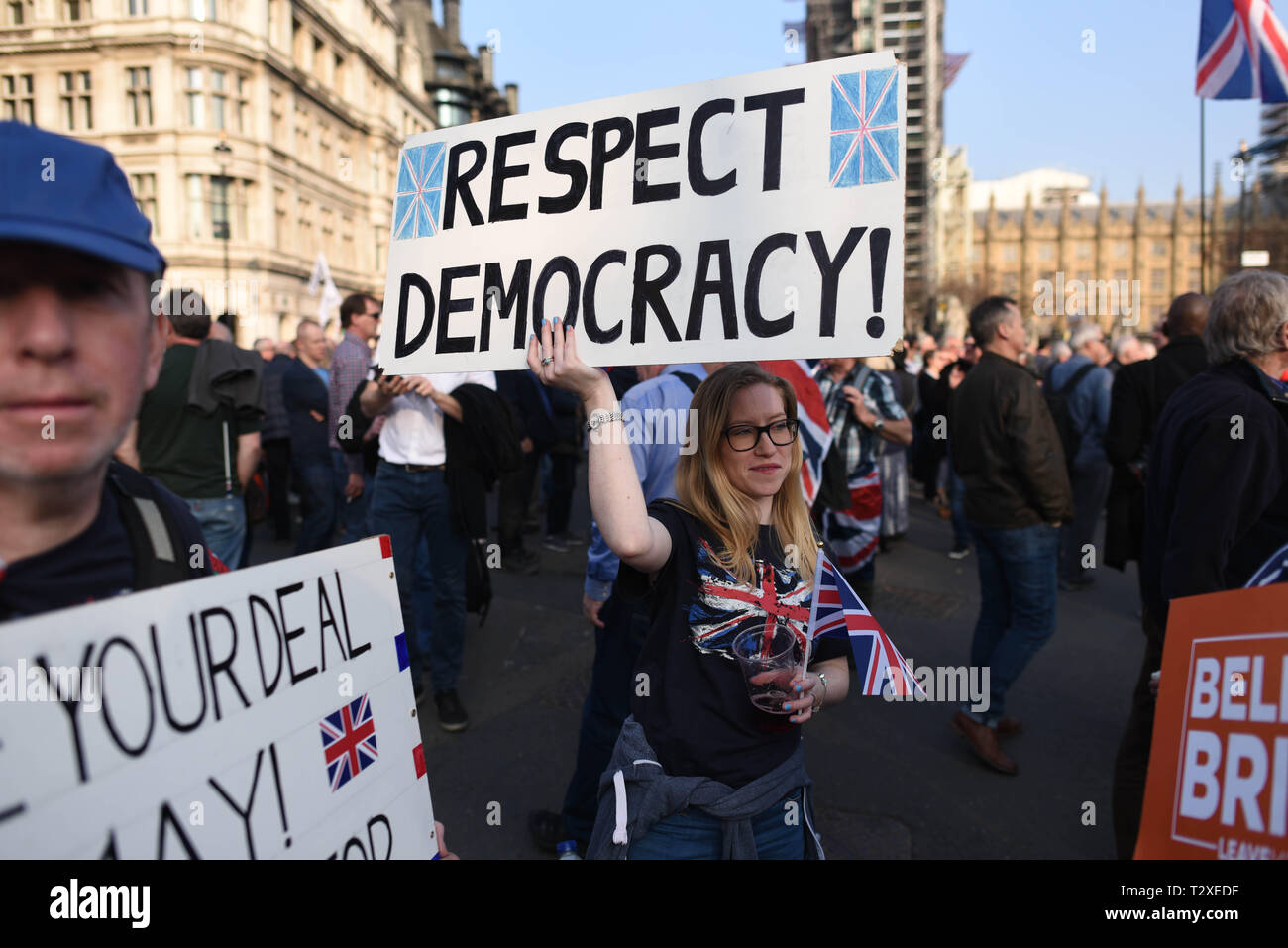 "*** FRANCE OUT / NO SALES TO FRENCH MEDIA *** March 29, 2019 - London, United Kingdom: Thousands of Brexit supporters rally outside the British parliament to protest against ""Brexit betrayal"" on the day the UK was originally due to leave the European Union. Stock Photo"