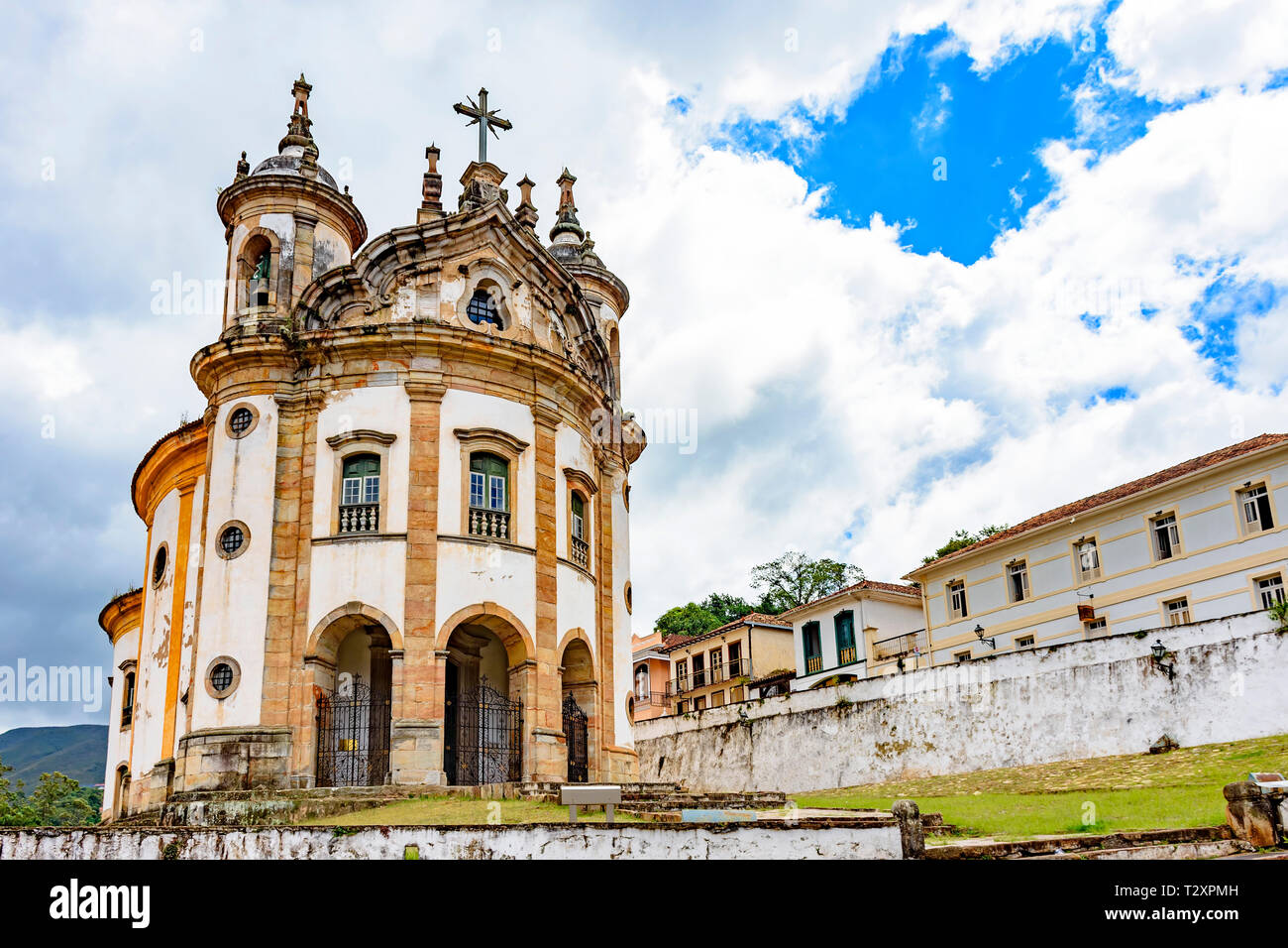 Old catholic church of the 18th century in colonial style located in the center of the famous and historical city of Ouro Preto in Minas Gerais - Stock Image