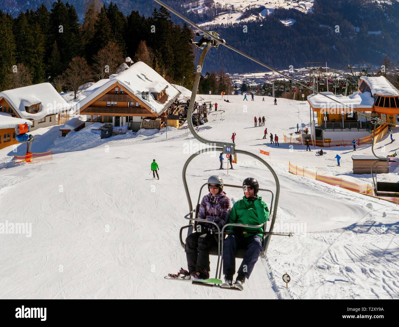 Skilift bei der Untermarkter Alm, Hochimst bei Imst, Tirol, Österreich, Europa Skilift at alp  Untermarkter Alm, skiing area Hochimst, Imst, Tyrol, Au - Stock Image