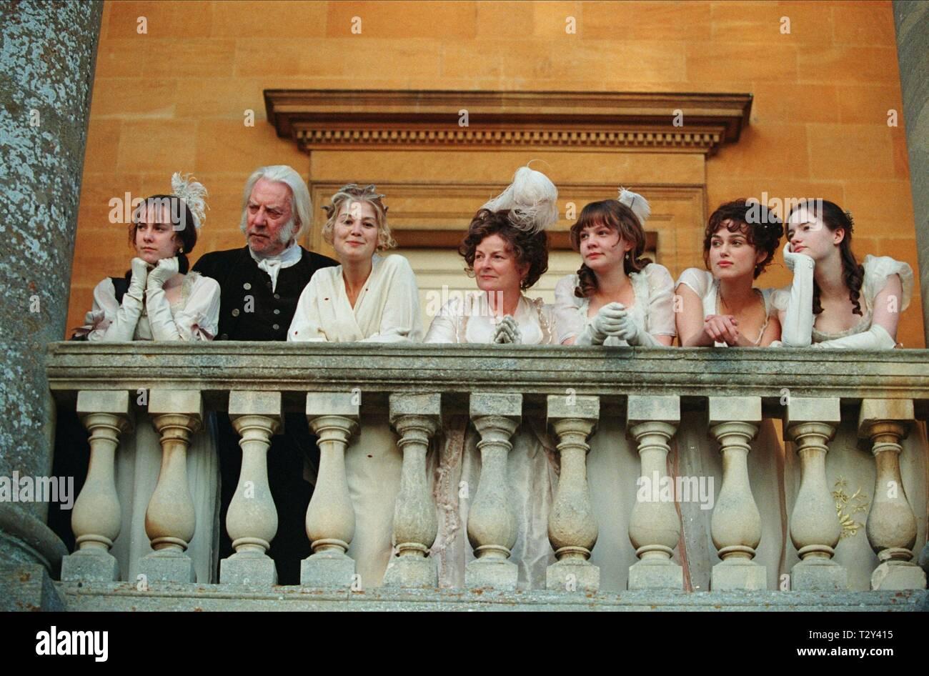 JENA MALONE, DONALD SUTHERLAND, ROSAMUND PIKE, BRENDA BLETHYN, CAREY MULLIGAN, KEIRA KNIGHTLEY, TALULAH RILEY, PRIDE and PREJUDICE, 2005 - Stock Image