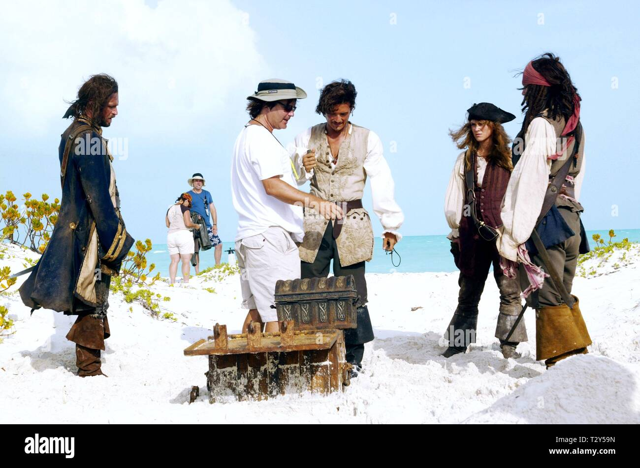 PIRATES OF THE CARIBBEAN: DEAD MAN'S CHEST, JACK DAVENPORT, GORE VERBINSKI, ORLANDO BLOOM, KEIRA KNIGHTLEY , JOHNNY DEPP, 2006 - Stock Image