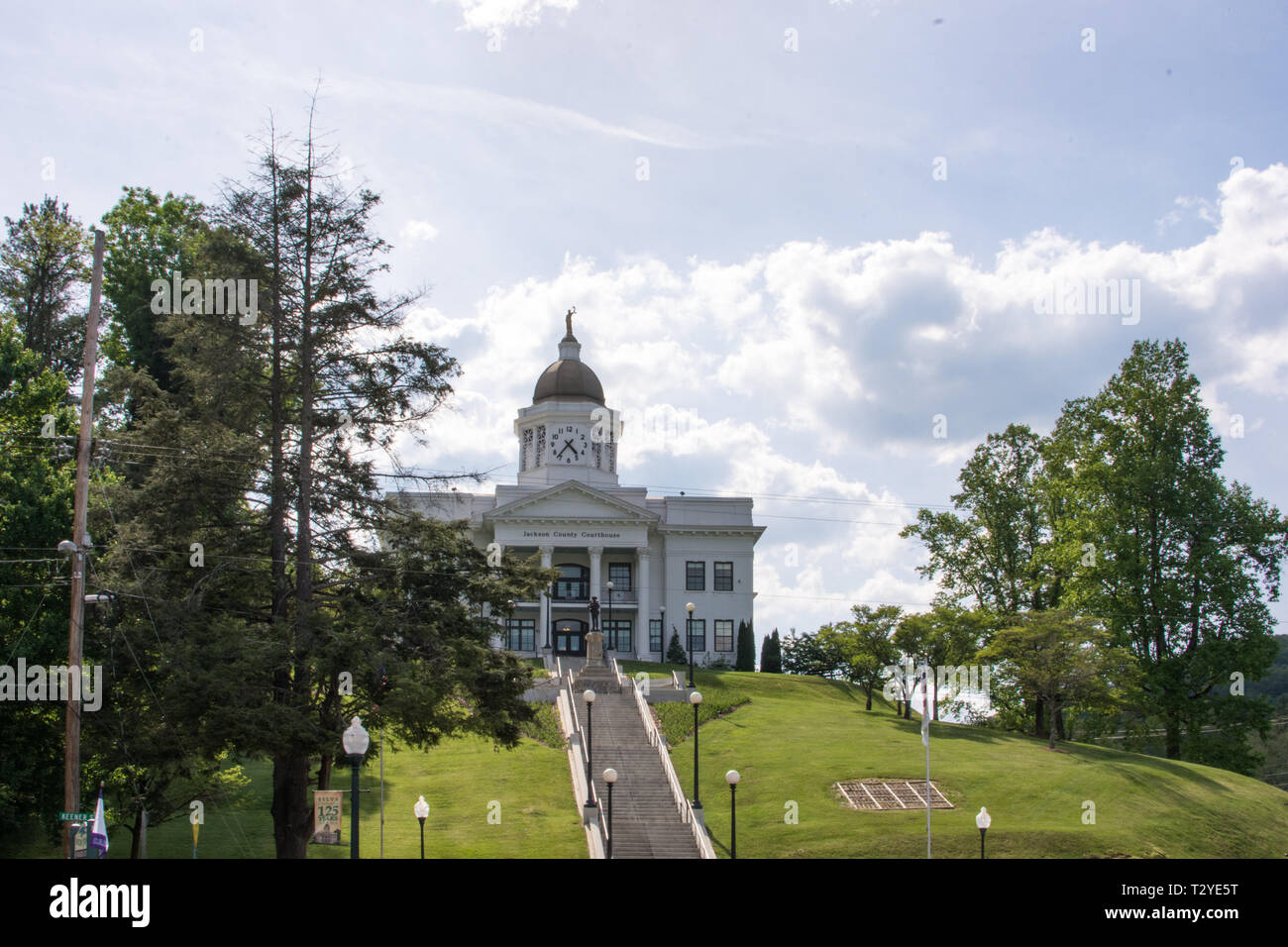 The Jackson County Courthouse is an iconic, historic building which has been renovated and now houses many community organizations. - Stock Image