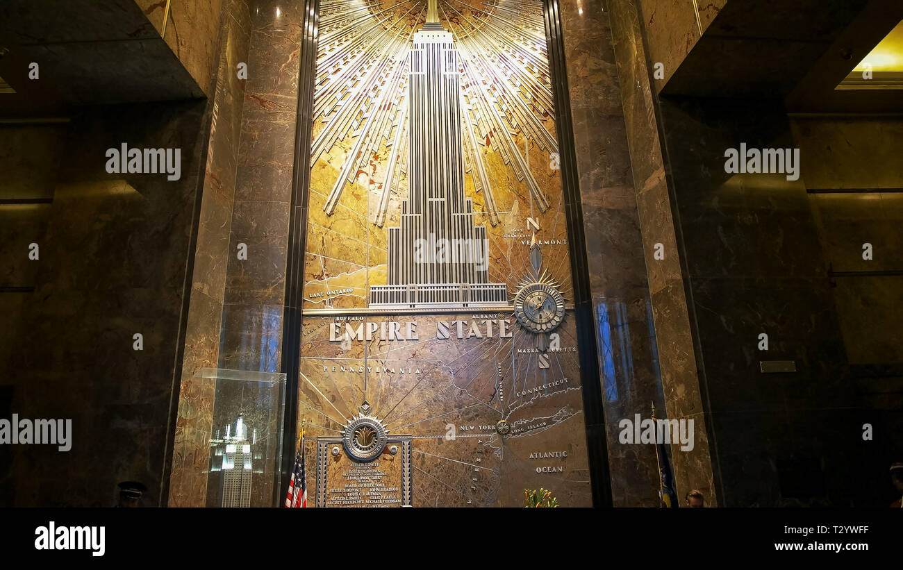 NEW YORK, NEW YORK, USA - SEPTEMBER 14, 2015: interior view of the foyer of the empire state building in manhatten, new york - Stock Image