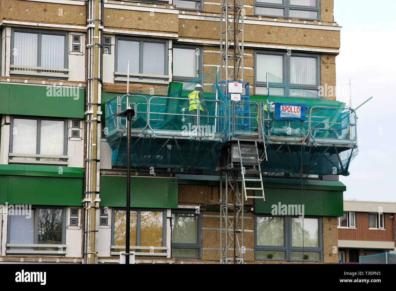 Sheffield, South Yorkshire, UK. 5th April 2019. Cladding on the Hanover Tower block in Sheffield is being replaced after failing an inspection in the wake of the Grenfell Tower fire. Credit: Alamy Live News. Stock Photo
