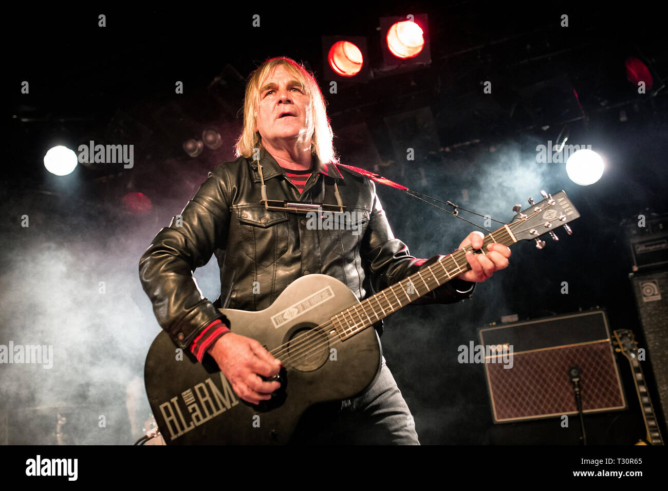 Norway, Oslo - April 4, 2019. The Welsh rock band The Alarm performs live concert at John Dee in Oslo. Here vocalist and guitarist Mike Peters is seen live on stage. (Photo credit: Gonzales Photo - Terje Dokken). Credit: Gonzales Photo/Alamy Live News - Stock Image