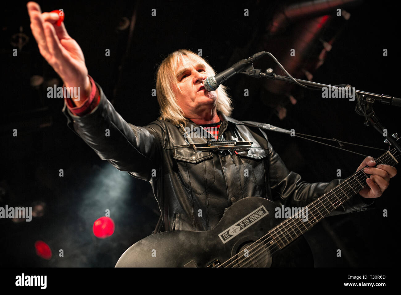 Norway, Oslo - April 4, 2019. The Welsh rock band The Alarm performs live concert at John Dee in Oslo. Here vocalist and guitarist Mike Peters is seen live on stage. (Photo credit: Gonzales Photo - Terje Dokken). Credit: Gonzales Photo/Alamy Live News Stock Photo