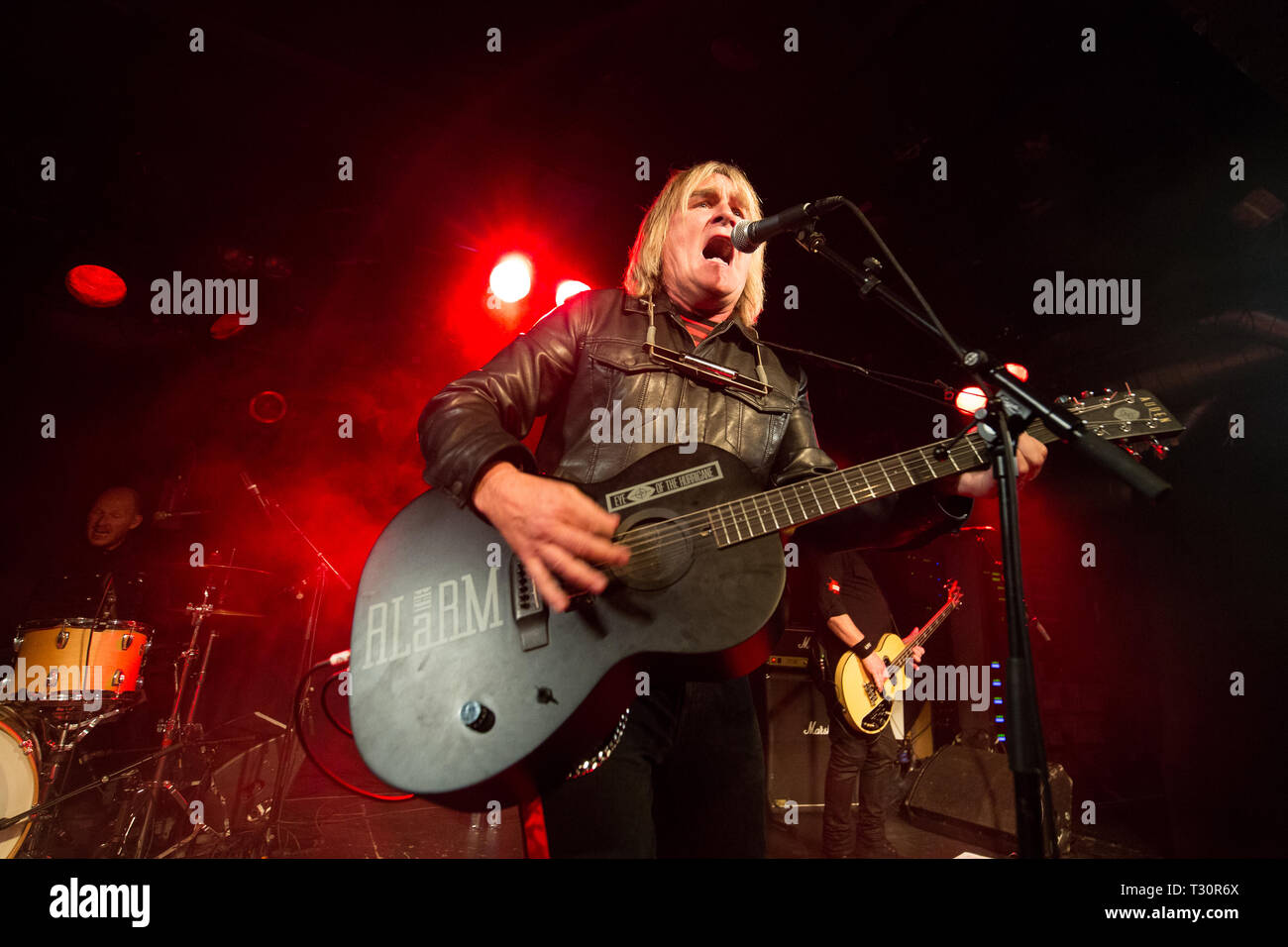 Norway, Oslo - April 4, 2019. The Welsh rock band The Alarm performs live concert at John Dee in Oslo. Here vocalist and guitarist Mike Peters is seen live on stage. (Photo credit: Gonzales Photo - Per-Otto Oppi). Credit: Gonzales Photo/Alamy Live News - Stock Image