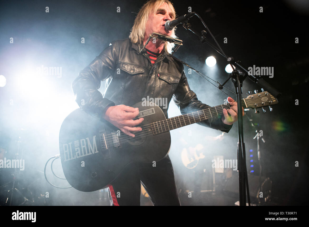 Norway, Oslo - April 4, 2019. The Welsh rock band The Alarm performs live concert at John Dee in Oslo. Here vocalist and guitarist Mike Peters is seen live on stage. (Photo credit: Gonzales Photo - Per-Otto Oppi). Credit: Gonzales Photo/Alamy Live News Stock Photo