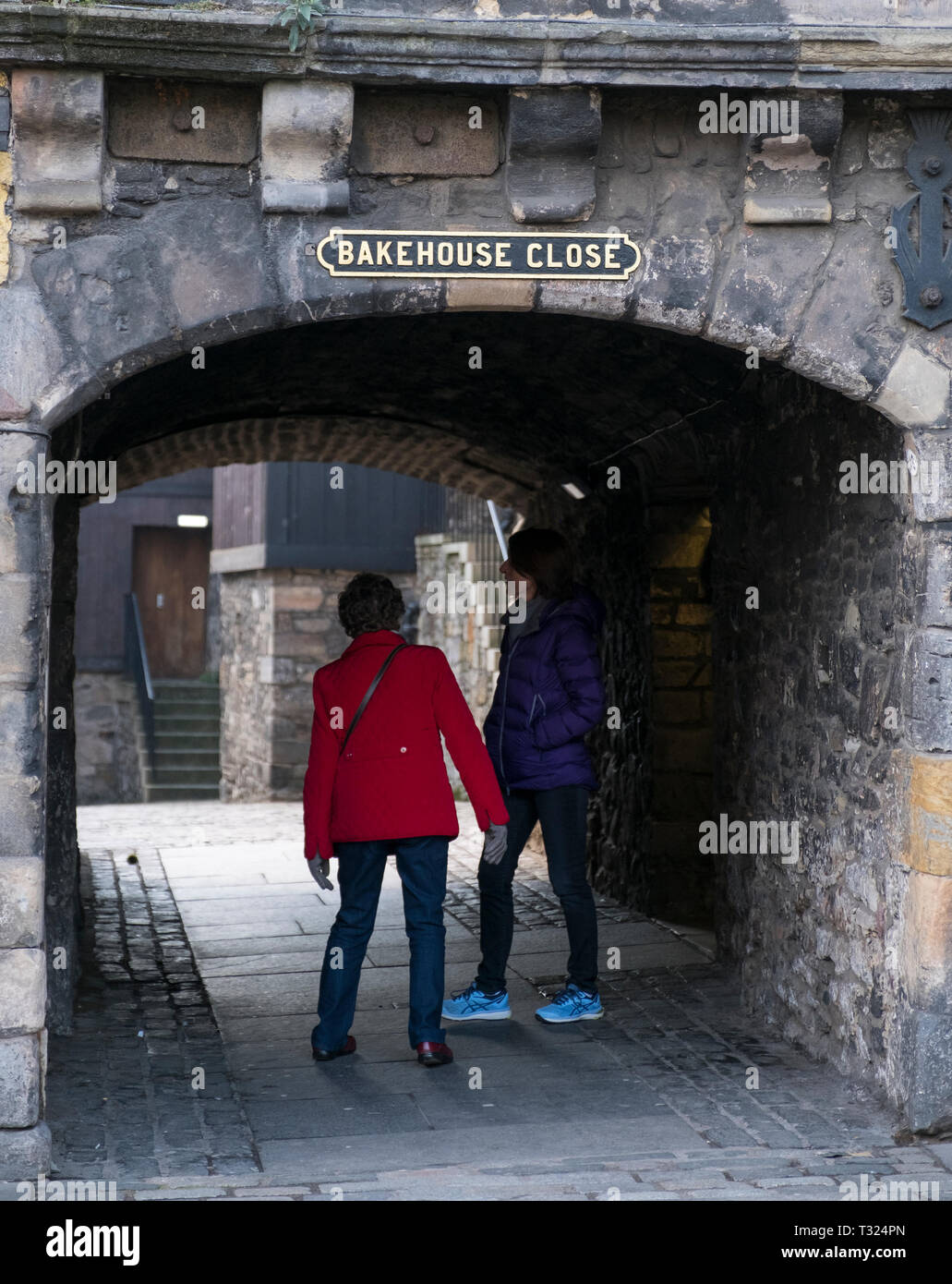The entrance to Bakehouse Close in the Canongate, Edinburgh. - Stock Image