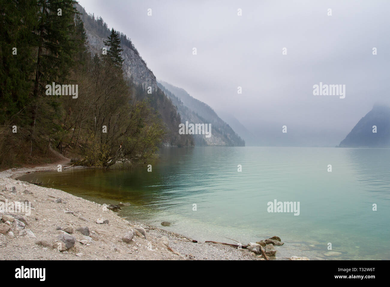Traunsee, Oberösterreich, Austria in the fog - Stock Image
