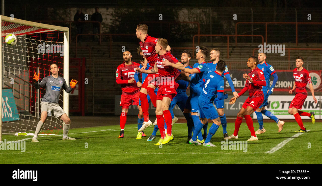 sports, football, Regional League West, 2018/2019, Rot Weiss Oberhausen vs Wuppertaler SV 2-1, Stadium Niederrhein in Oberhausen, great chance to RWO, f.l.t.r. keeper Sebastian Wickl (WSV), Cihan Oezkara (RWO), Jannik Loehden (RWO), Philipp Goedde (RWO), Gino Windmueller (WSV), Meik Kuehnel (WSV), Jan-Steffen Meier (WSV), Daniel Grebe (WSV), Yassin Ben Balla (RWO), Tjorben Uphoff (WSV), Mike Jordan (RWO) - Stock Image
