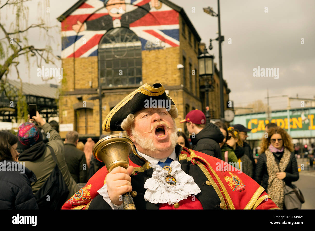 Alan Myatt 62 is a town crier who set two Guinness World Records. As well as being the loudest crier, Alan is also the official town crier for the Cit - Stock Image
