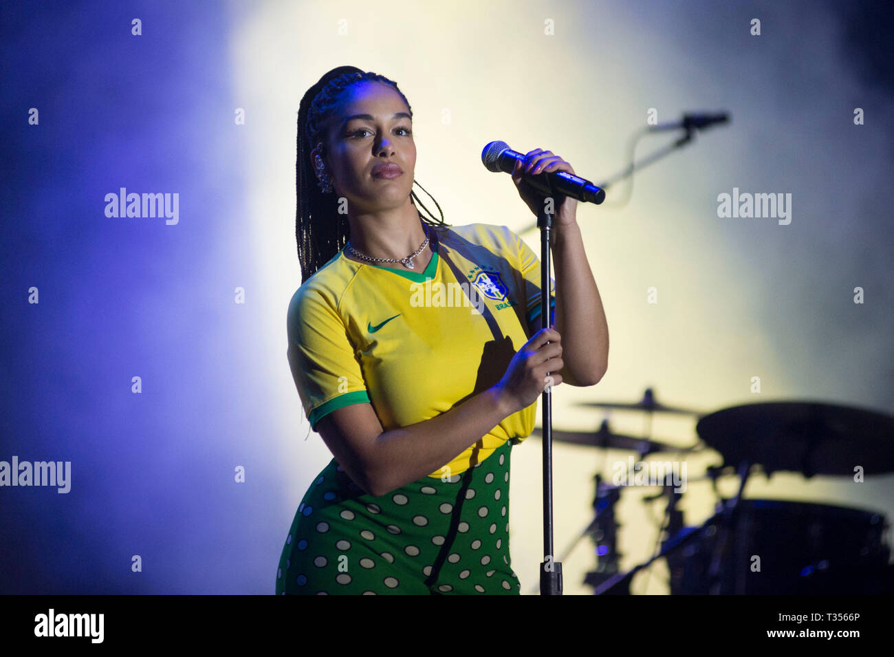 Sao Paulo, Brazil. 06th Apr, 2019. Jorja Smith performs at the Lollapalooza 2019 festival, held at the Autodromo de Interlagos in São Paulo this Saturday, 06. (PHOTO: LEVI BIANCO/BRAZIL PHOTO PRESS) Credit: Brazil Photo Press/Alamy Live News - Stock Image