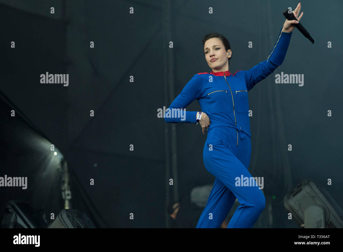Sao Paulo, Brazil. 06th Apr, 2019. Jain performs at the Lollapalooza 2019 festival, held at the Autodromo de Interlagos in São Paulo this Saturday, 06. (PHOTO: LEVI BIANCO/BRAZIL PHOTO PRESS) Credit: Brazil Photo Press/Alamy Live News - Stock Image