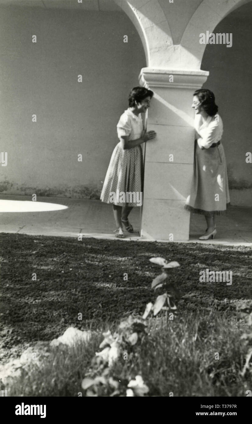 Two Women, Italy 1956 - Stock Image