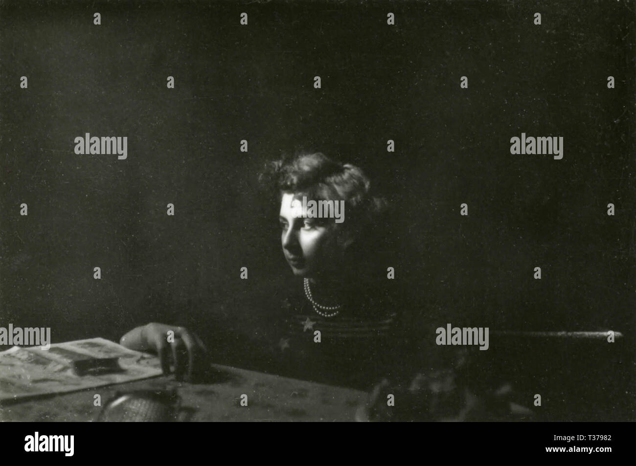 Girl at the deskboard, 1930s - Stock Image