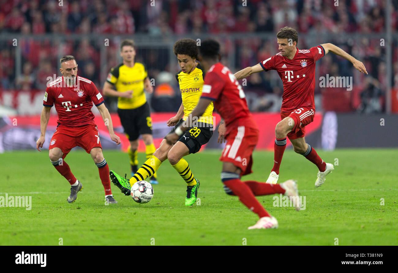 Munich, Germany. 06th Apr, 2019. Munich, Germany. 06th Apr, 2019. Franck Ribery (FCB), Axel Witsel (BVB), David Alaba (FCB) and Thomas Mueller (FCB). GES/Soccer/1. Bundesliga: FC Bayern Munich - Borussia Dortmund, 06.04.2019 Football/Soccer: 1. German League: Munich vs. Borussia Dortmund, Munich, April 06, 2019 | usage worldwide Credit: dpa/Alamy Live News Credit: dpa picture alliance/Alamy Live News - Stock Image