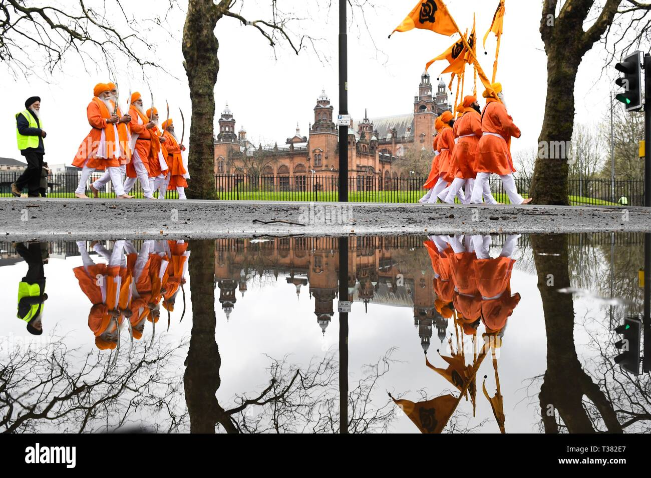 Glasgow, UK. 07th Apr, 2019. Sikhs in Glasgow celebrating the festival of Vaisakhi (or Baisakhi) with a colourful Nagar Kirtan parade processing around the city's four Gurdwaras or Sikh temples.   Here passing Kelvingrove Museum. Credit: Kay Roxby/Alamy Live News Stock Photo