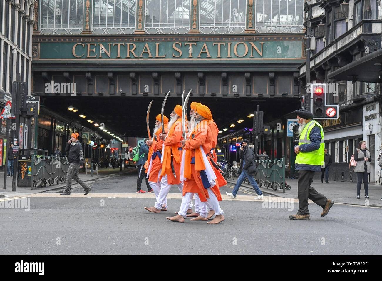 Glasgow, UK. 07th Apr, 2019.  Sikhs in Glasgow celebrating the festival of Vaisakhi (or Baisakhi) with a colourful Nagar Kirtan parade processing around the city's four Gurdwaras or Sikh temples. Credit: Kay Roxby/Alamy Live News Stock Photo