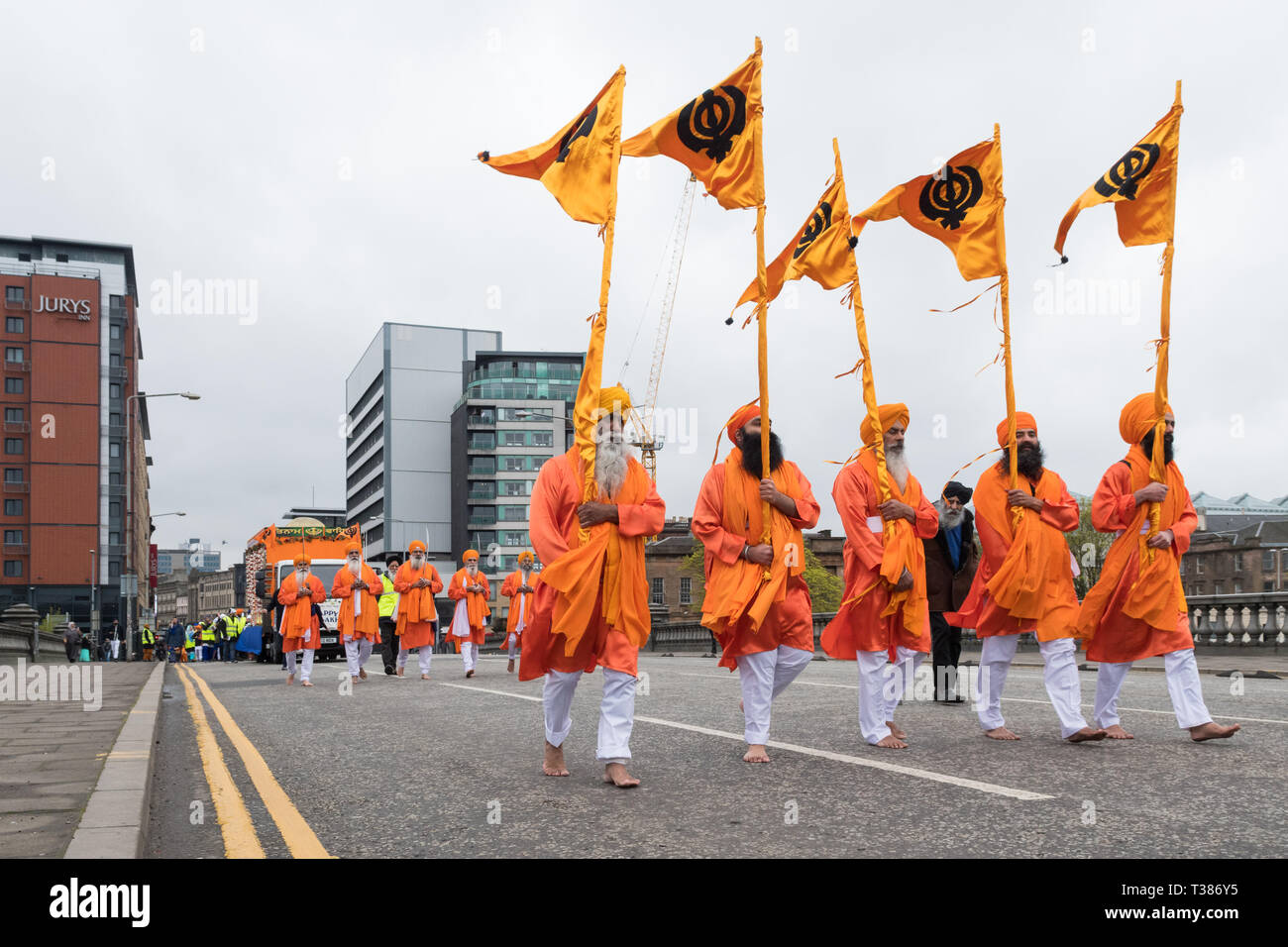 Glasgow, Scotland, UK. 7th April 2019. Sikhs in Glasgow celebrating the festival of Vaisakhi (or Baisakhi) with a colourful Nagar Kirtan parade aound the city's four Gurdwaras or Sikh temples. Credit: Kay Roxby/Alamy Live News Stock Photo