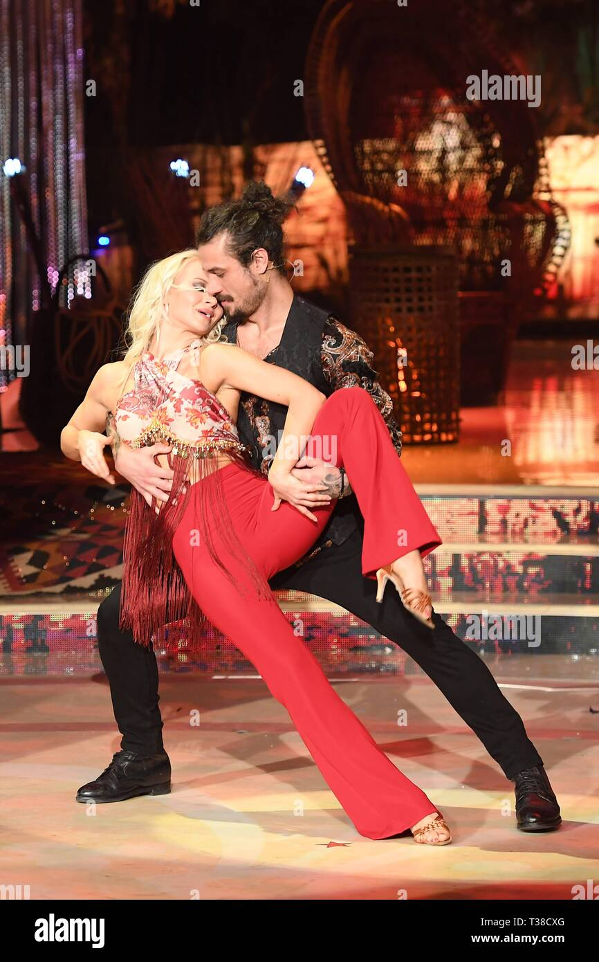 Rome: Rai Auditorium  Second episode Dancing with the stars  In the