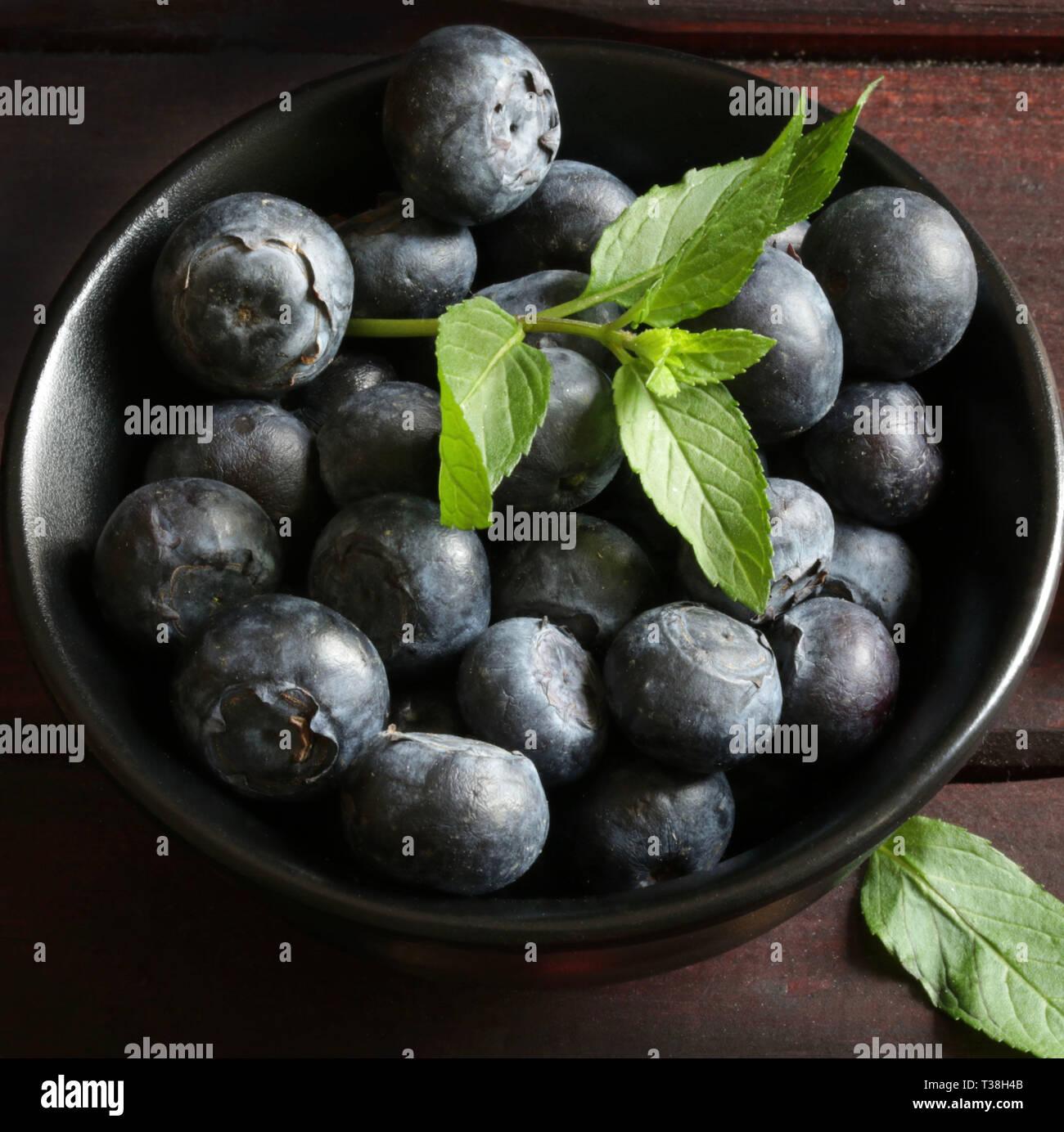 bowl of fresh blueberries - Stock Image